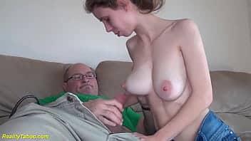 Η έφηβη με τον γέρο